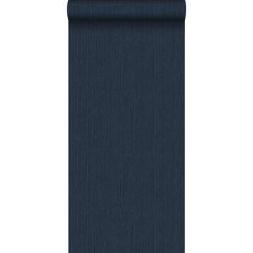 carta da parati liscia con struttura di denim jeans blu scuro da ESTA home